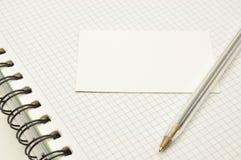 Carte blanc et un crayon lecteur Image libre de droits