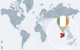 Carte bleue abstraite du monde avec l'Irlande magnifiée illustration de vecteur
