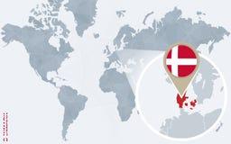 Carte bleue abstraite du monde avec le Danemark magnifié illustration libre de droits