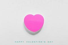 Carte cadeaux de papier de jour de valentines sur le blanc Photo libre de droits