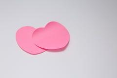 Carte cadeaux de papier de jour de valentines sur le blanc Photo stock