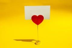 Carte d'agrafe de coeur Photographie stock libre de droits