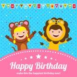 Carte d'anniversaire avec des enfants chez le costume animal illustration libre de droits