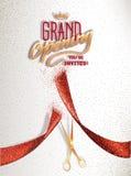 Carte d'ouverture officielle avec des ciseaux abstraits rouges de ruban et d'or Photographie stock libre de droits
