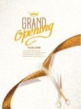 Carte d'ouverture officielle avec des ciseaux de ruban et d'or d'abrégé sur or Photo stock
