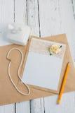 Carte de carton avec la fleur Image libre de droits