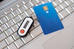 Carte de crédit et générateur sans contact de goupille de sécurité images stock