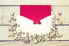 Carte de félicitation de jour du ` s de Valentine, groupe de contreplaqué différent photographie stock libre de droits