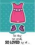 Carte de fête de naissance de fille/robe et butins de rose Photographie stock libre de droits