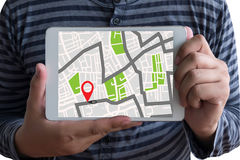 Carte de GPS à l'emplacement de destination d'itinéraire, plan de ville avec des icônes de GPS, photo stock