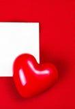 Carte de jour de valentines avec le copyspace pour le texte de salutation sur le dos de rouge Images stock