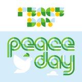 Carte de jour de paix avec le lettrage moderne et colombe tenant l'olive Photographie stock libre de droits