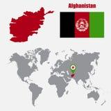 Carte de l'Afghanistan sur une carte du monde avec l'indicateur de drapeau et de carte Illustration de vecteur Image stock