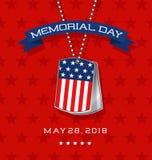 Carte de Memorial Day avec des étiquettes de chien du ` s de soldat avec le drapeau Photos stock