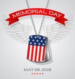 Carte de Memorial Day avec des étiquettes de chien du ` s de soldat avec le drapeau Photo libre de droits