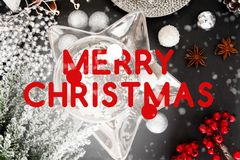 Carte de Noël, Joyeux Noël, l'anglais, Angleterre, table, neige, boule de Noël, Noël illustration stock