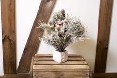Carte de Noël Nouvelles photos du décor à la maison dans le brun Images stock