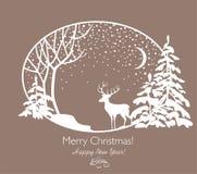 Carte de Noël de salutation rétro avec les sapins, l'arbre, le renne et les chutes de neige de papier coupés Photo stock