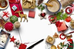 Carte de Noël vide, collection, cadeaux et ornements décoratifs Photographie stock