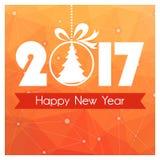 Carte de nouvelle année avec le fond polygonal orange et boule de Noël avec l'arbre Photographie stock