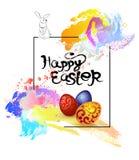 Carte de Pâques avec un lapin, avec des oeufs, avec des taches de peinture, Photo stock