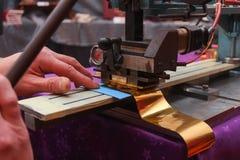 Carte de papier gravante en refief de reliure de livre photographie stock libre de droits