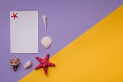 Carte de papier ou invitation sur vif Photographie stock libre de droits