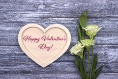 Carte de Valentine avec le jour de valentines heureux des textes Photographie stock libre de droits