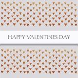 Carte de valentines de saint avec le texte et petits coeurs d'or sur le fond gris Images stock