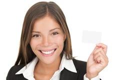 Carte de visite professionnelle de visite de fixation de femme d'affaires Photographie stock libre de droits
