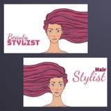 Carte de visite professionnelle de visite de studio de cheveux de beauté avec une photo de beau se développer de fille L'espace v Images libres de droits