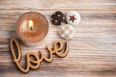 Carte de voeux avec amour en bois de signe Photos libres de droits