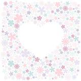 Carte de voeux avec le gisement de fleurs et la forme blanche du coeur pour le texte illustration libre de droits