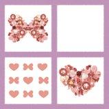 Carte de voeux avec les fleurs sèches sous la forme de papillon et de coeur Images stock