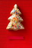 Carte de voeux avec une photo d'un arbre de Noël de biscuit Images stock