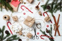 Carte de voeux de composition en Noël pendant la nouvelle année préparant le holid Photo libre de droits