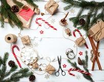 Carte de voeux de composition en Noël pendant la nouvelle année préparant le holid Photographie stock