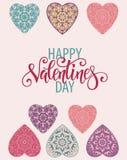 Carte de voeux décorative de Valentine avec les coeurs et le lettrage fleuris floraux Photographie stock