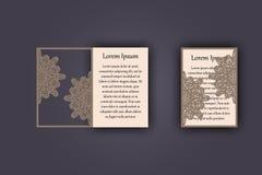 Carte de voeux d'invitation ou de mariage avec l'ornement de dentelle de vintage Maquette pour la coupe de laser Illustration de  Images stock