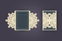 Carte de voeux d'invitation ou de mariage avec l'ornement de dentelle de vintage Maquette pour la coupe de laser Illustration de  Images libres de droits