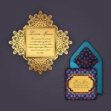 Carte de voeux d'invitation ou de mariage avec l'ornement floral de vintage Calibre de papier d'enveloppe de dentelle, maquette p Photos libres de droits