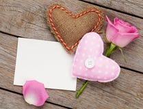 Carte de voeux de blanc de jour de valentines ou cadre de photo avec handmaded Photos stock
