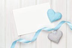 Carte de voeux de cadre ou de photo et jouet handmaded de jour de valentines il Images stock