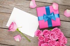 Carte de voeux de jour de valentines ou cadre et boîte-cadeau de photo complètement de Photos libres de droits