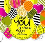 Carte de voeux de joyeux anniversaire Ballons modelés avec des étoiles, points de polka, coeurs, léopard, chevrons, rayures color Image libre de droits