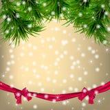 Carte de voeux de Noël avec des brindilles et des rubans de sapin Images stock