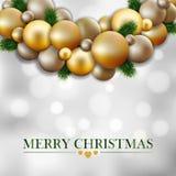 Carte de voeux de Noël, guirlande des brindilles de sapin, boules d'or Photos libres de droits
