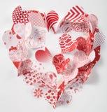 Carte de voeux de jour du ` s de Valentine avec des coeurs en main Photo stock