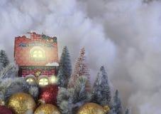 Carte de voeux de Joyeux Noël décorée de l'or et de l'ornement rouge photographie stock libre de droits