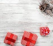 Carte de voeux de Noël pour aimé, l'espace pour un message gentil pour elles sur le fond blanc Photos stock